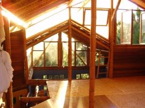 enfim piso no quarto de bambu